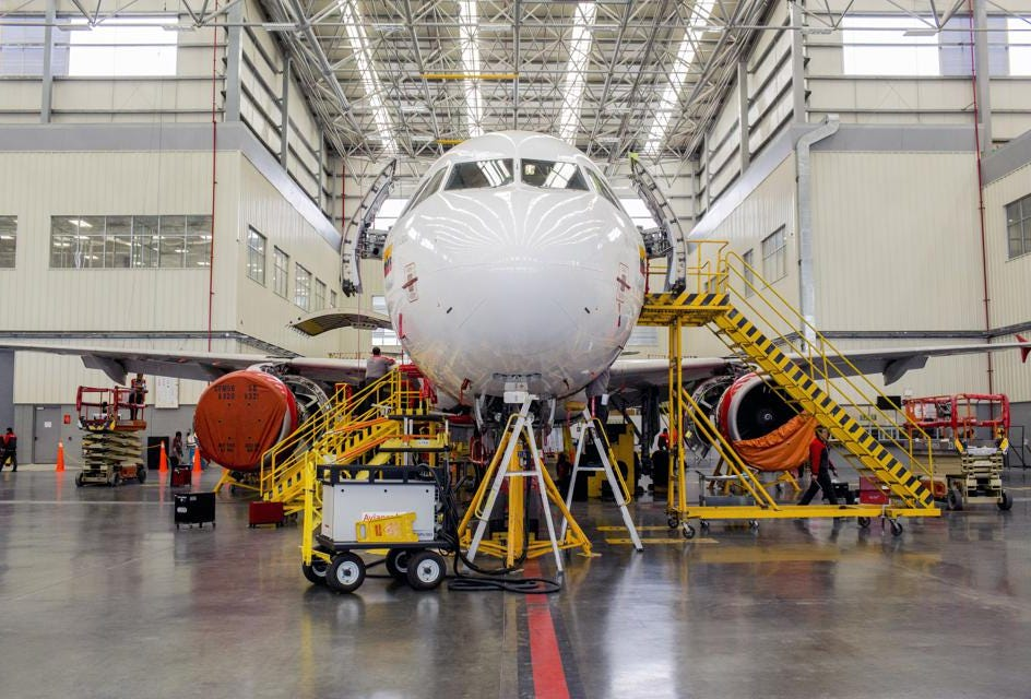 Airplane Maintenance Airline Cost Of Maintenance May Rise Just As Labor Rates And Fuel