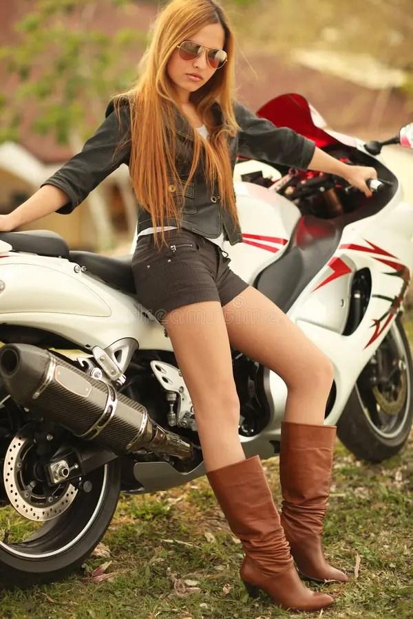 Motorcycle Girl Wallpaper Mooie Vrouw Op Motorfiets Stock Foto Afbeelding Bestaande