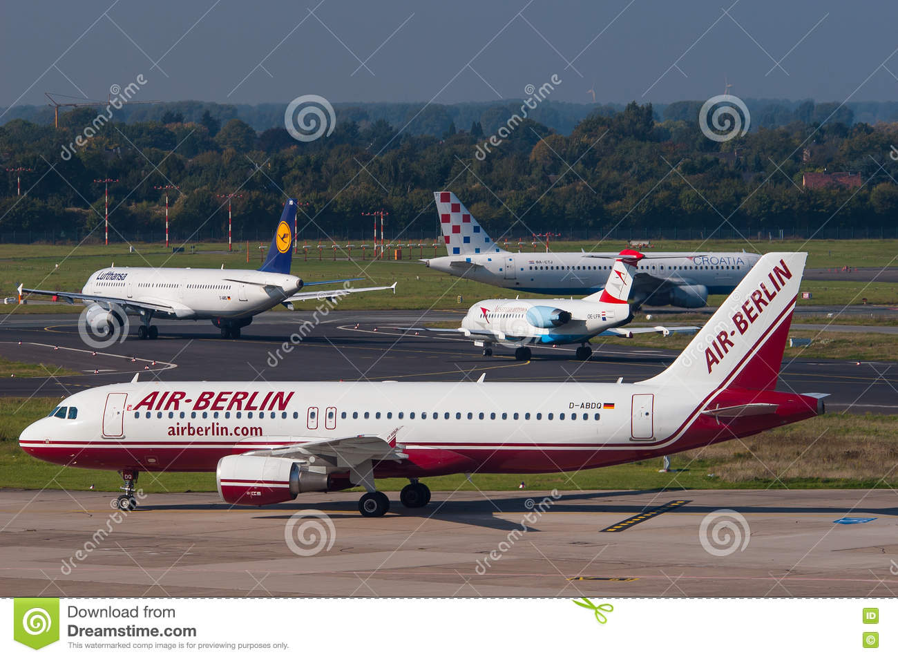 Lag Düsseldorf Air Berlin Airbus A320 Editorial Stock Photo Image Of Passenger