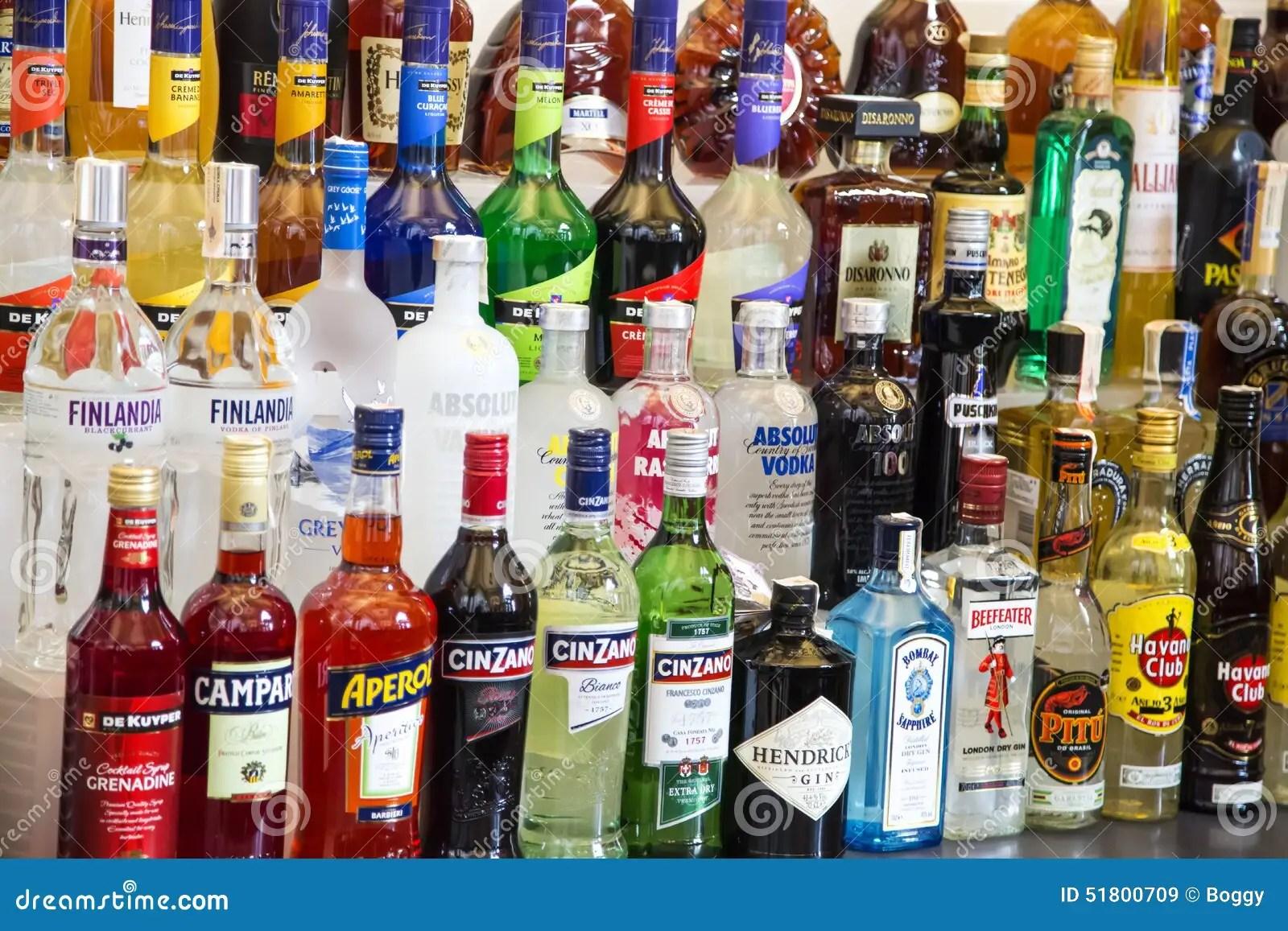 3d Animation Wallpaper For Pc Download Alkoholflaschen Redaktionelles Stockbild Bild 51800709