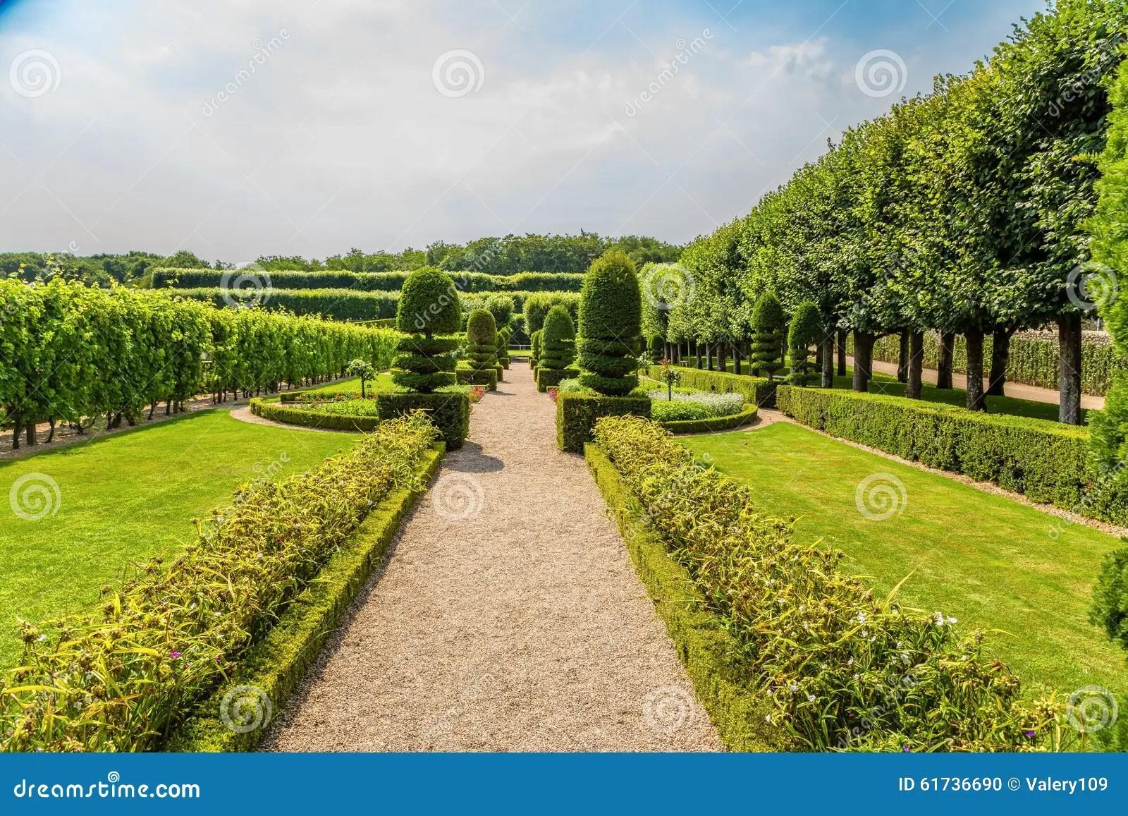Arbre Pour Allée De Jardin | 14e Jardin Éphémère Place à L Arbre Sur ...