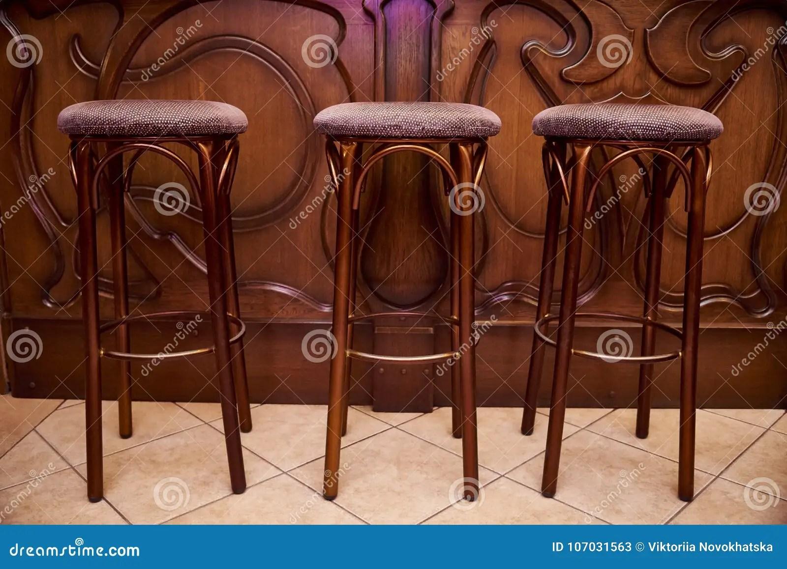 Sgabelli alti legno sgabello sgabelli legno sgabelli alti sgabello