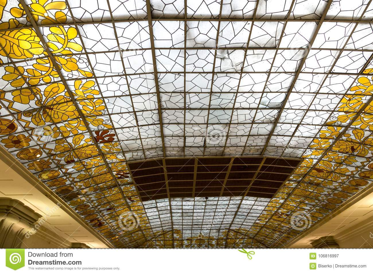 Décoration Art Nouveau Art Deco Glass Ceiling Stock Image Image Of Decoration 106816997