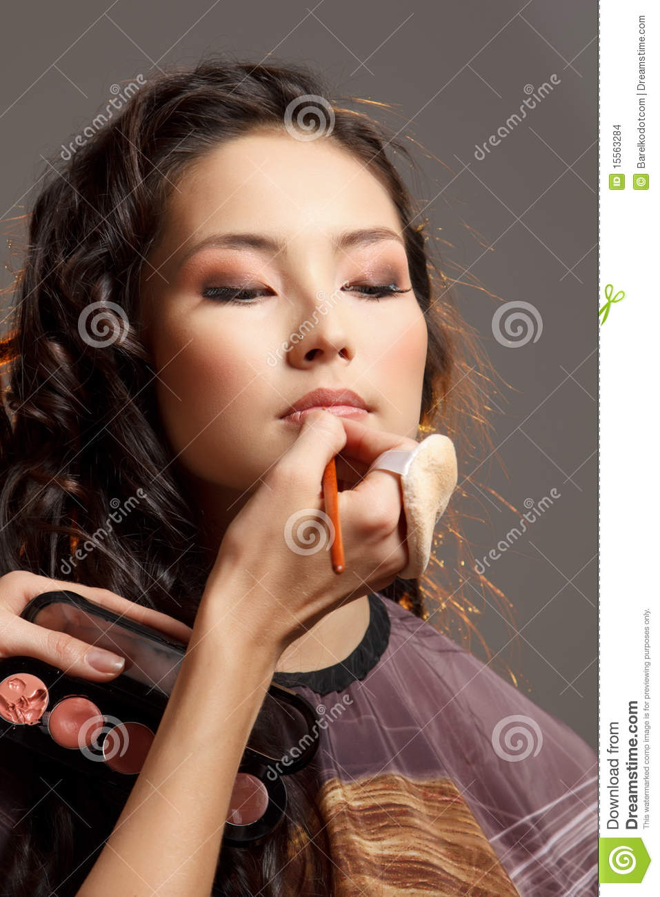 Female Asian Haircut Asian Woman In A Beauty Salon Stock Images Image 15563284