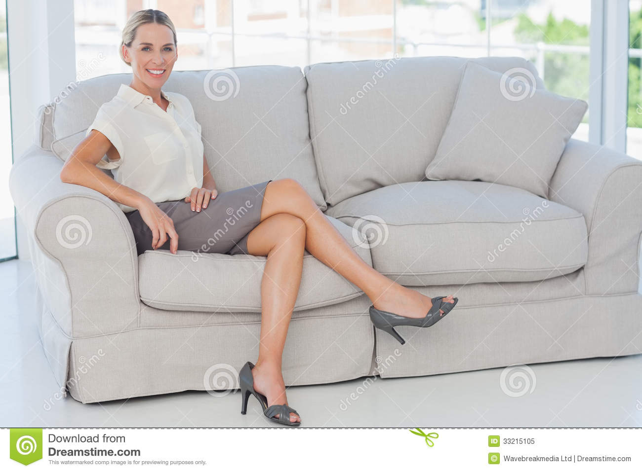 Free Sexmovie Blond Sofa Attractive Blonde Businesswoman Posing Sitting On Sofa