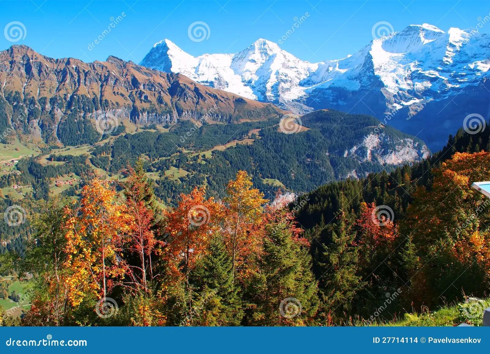 Fall In The Mountains Wallpaper Autunno Nelle Montagne Le Alpi Svizzera Fotografia Stock