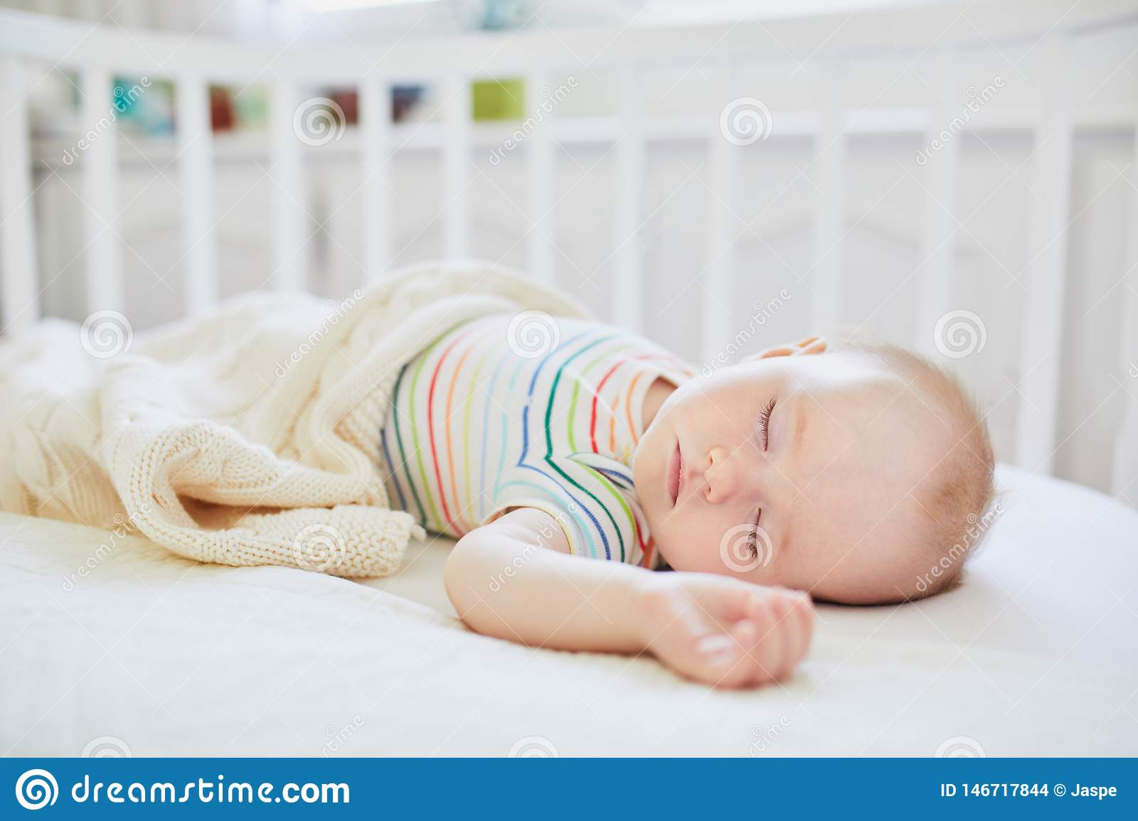 Baby Cots That Attach To Beds Baby Sleeping In Co Sleeper Crib Attached To Parents Bed