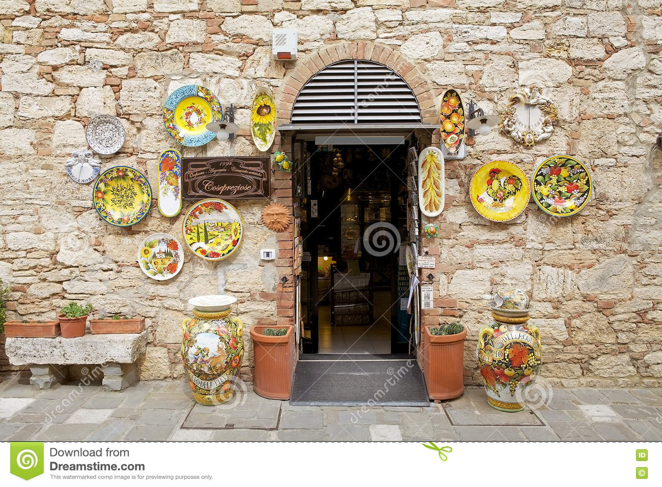 Shop Bagno Bagno Vignoni In Val D Orcia Tuscany Italy Editorial Photo