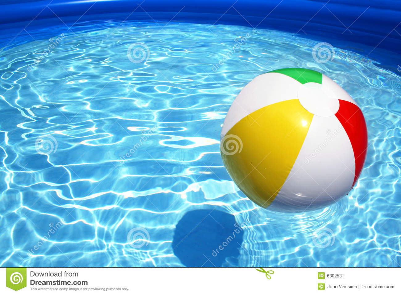 Piscina Toy Ball In A Swimming Pool Stock Image Image Of Colors