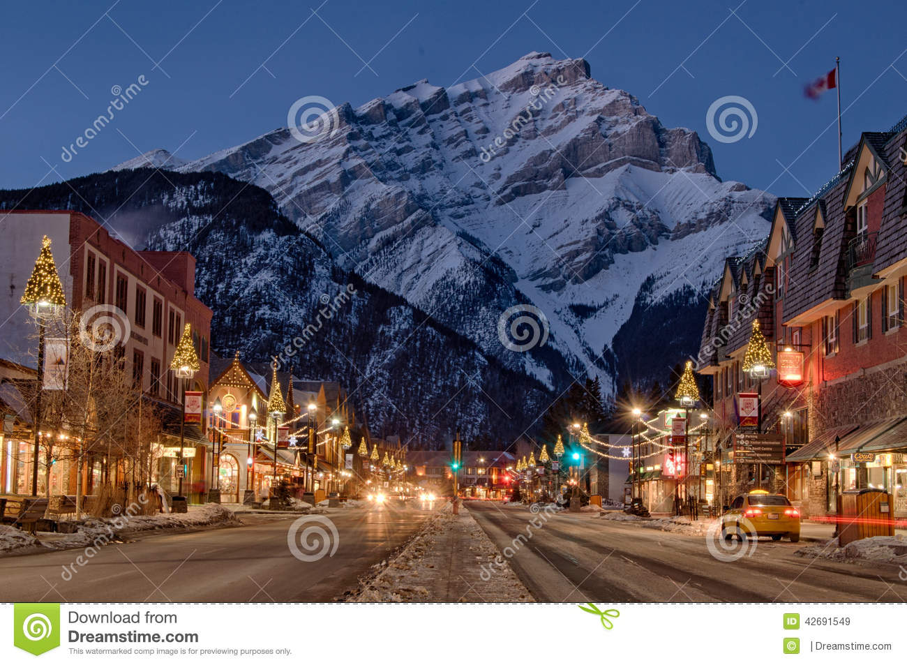 Fall In Vermont Wallpaper Banff Mountain Town Winter Christmas Editorial Stock Image