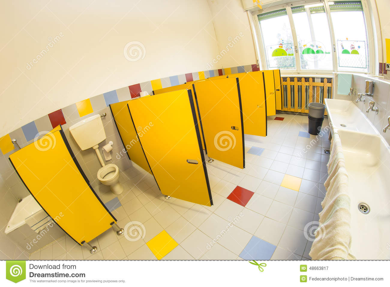Badezimmer Kindergarten Bathroom Of A School For Children Stock Photo Image
