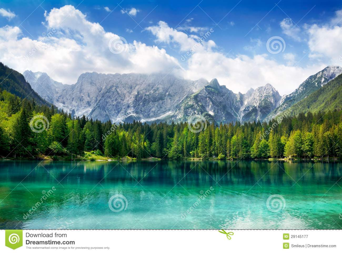 Wild Animals 3d Wallpapers Beautiful Lake With Mountains In The Background Royalty