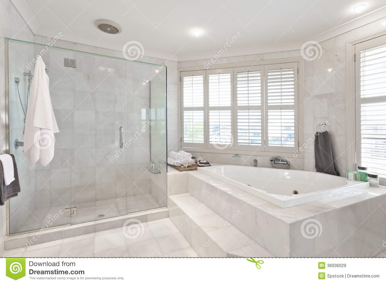 Fachwerkbalken Streichen Beautiful Modern Bathroom In Australian Mansion Royalty