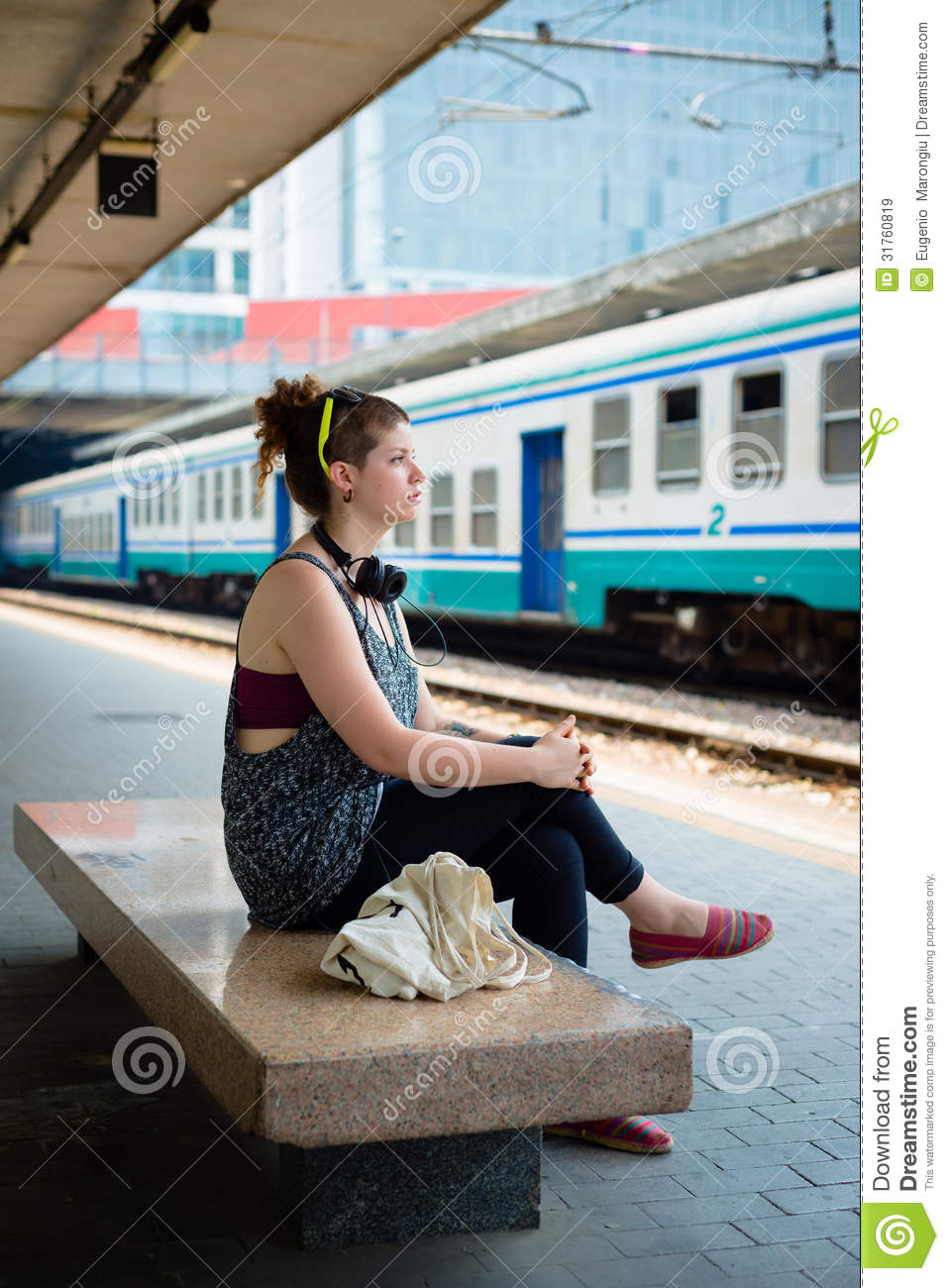 Modern Outdoor Bench Beautiful Stylish Modern Young Woman Waiting Train Stock