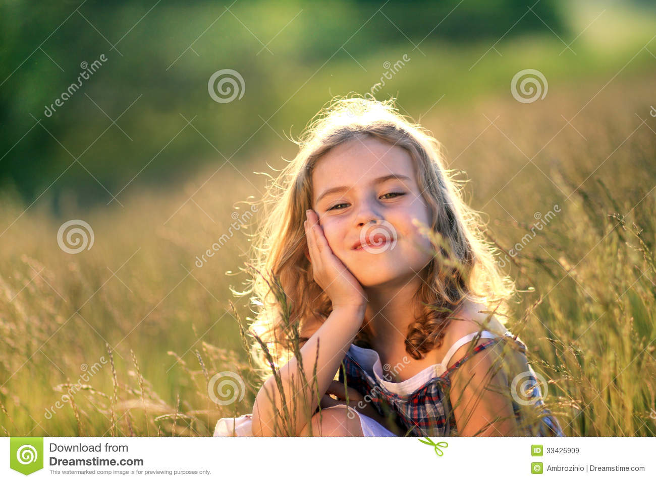 Happy Baby Girl Wallpaper Beauty Litte Girl Royalty Free Stock Images Image 33426909