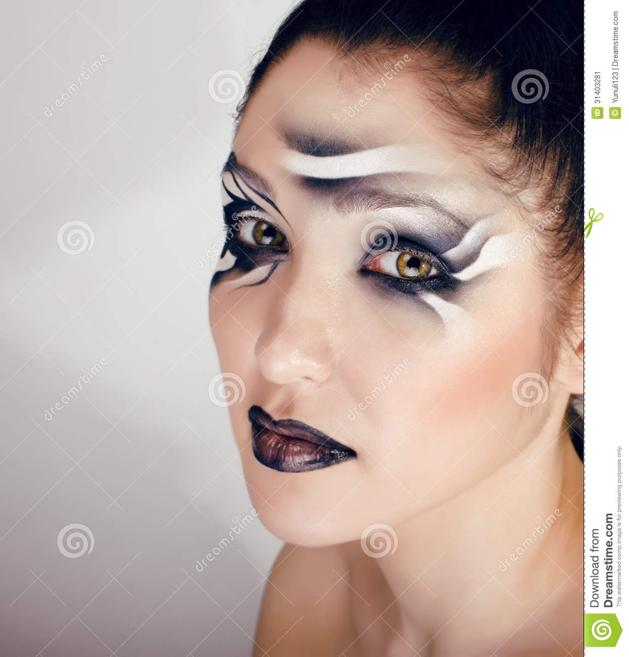 Schminkvorlage Zebra Beauty Young Woman With Creative Make Up Like Zebra Stock Image