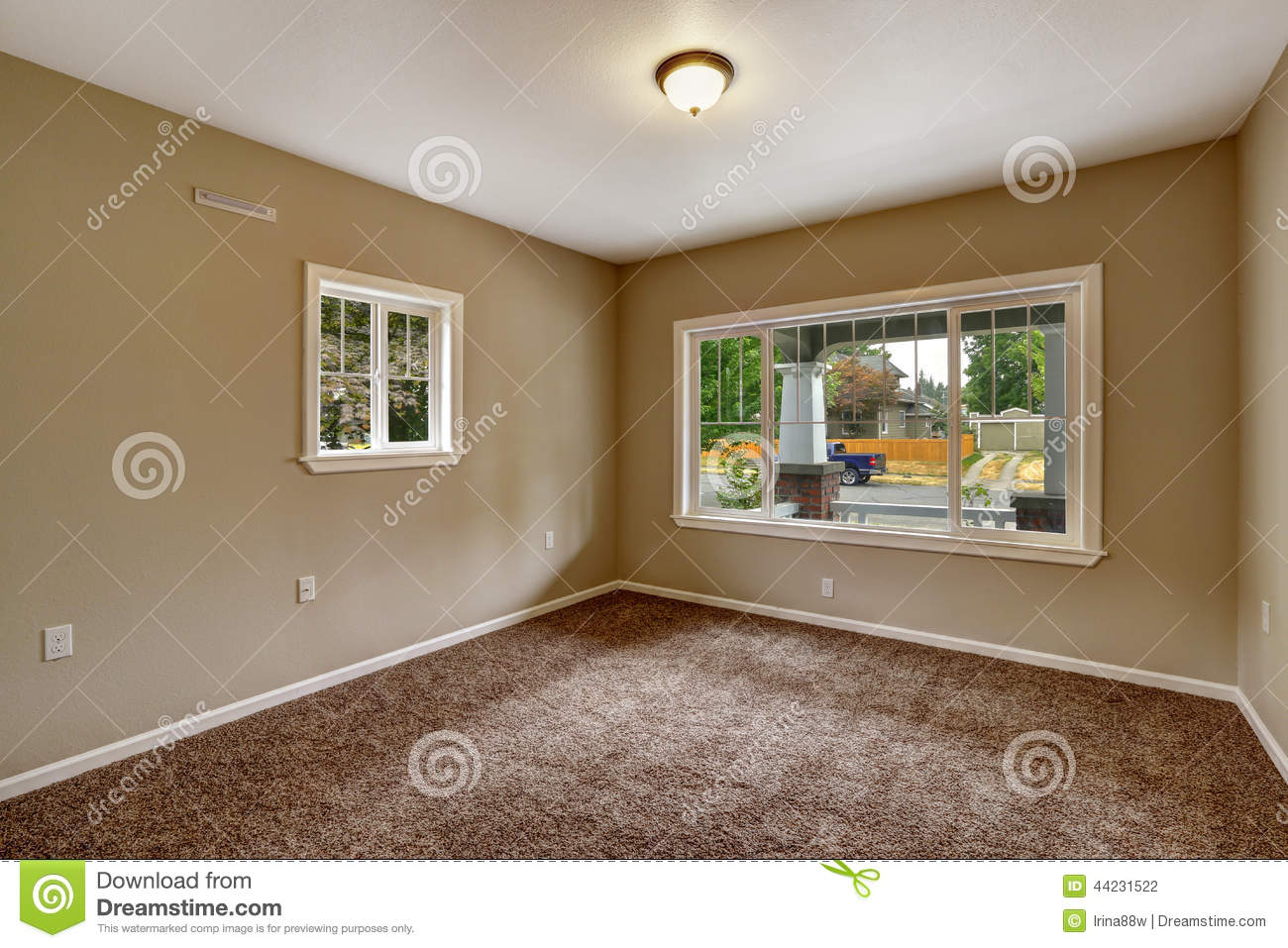 Slaapkamer Zandkleur Beige Empty Room With Brown Carpet Floor Stock Photo
