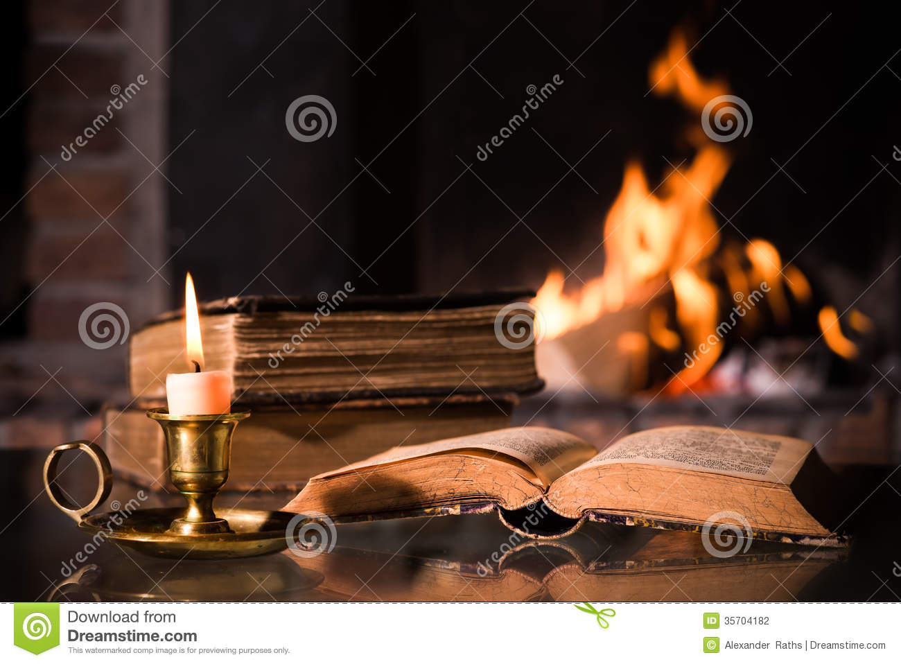 Best Fires Cheminées Bible With A Burning Candle Stock Photo Image Of Bible