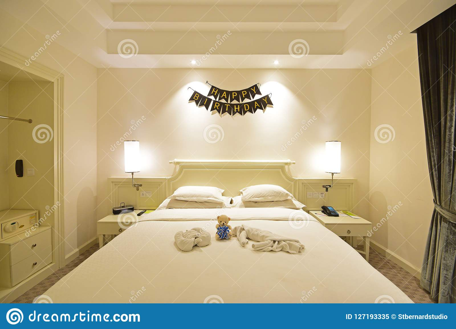 Decoration Hotel Birthday Celebration In A Hotel Room Suite With Decoration On The