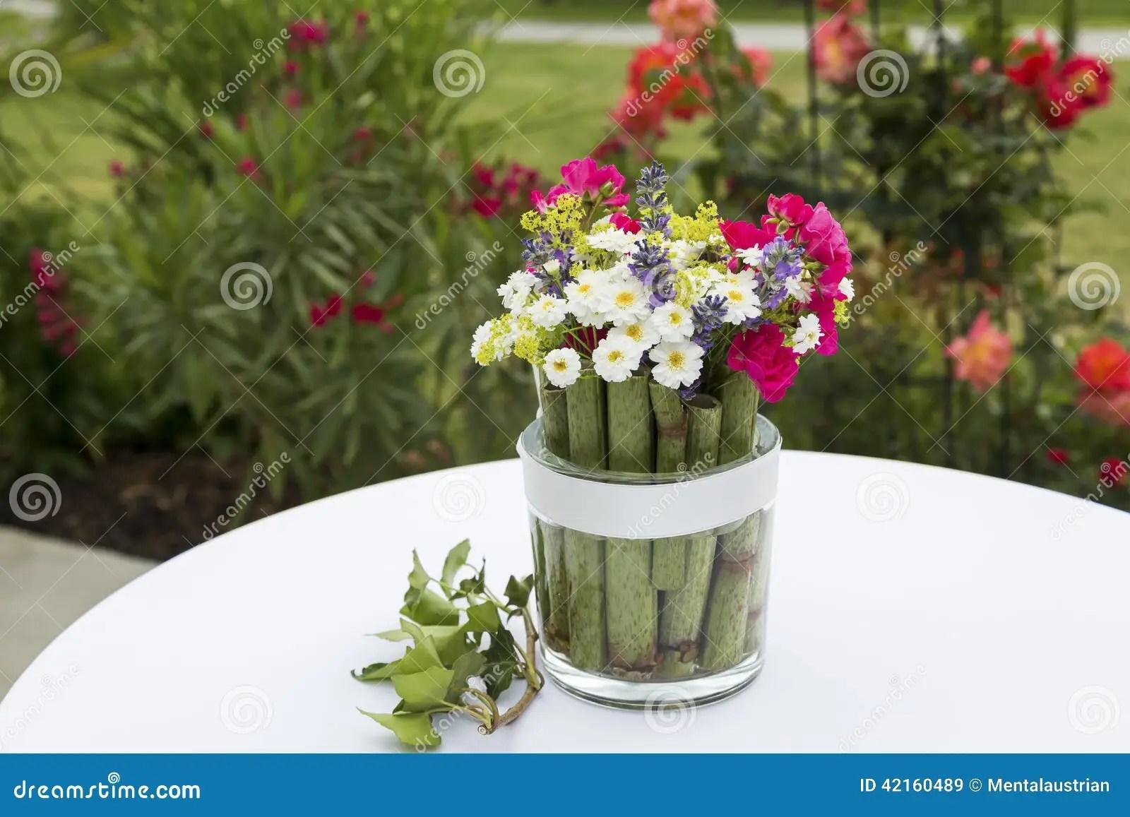Blumen Im Glas Deko Blumen Deko Blumen Im Glas Frhlingsdeko Im Glas 35