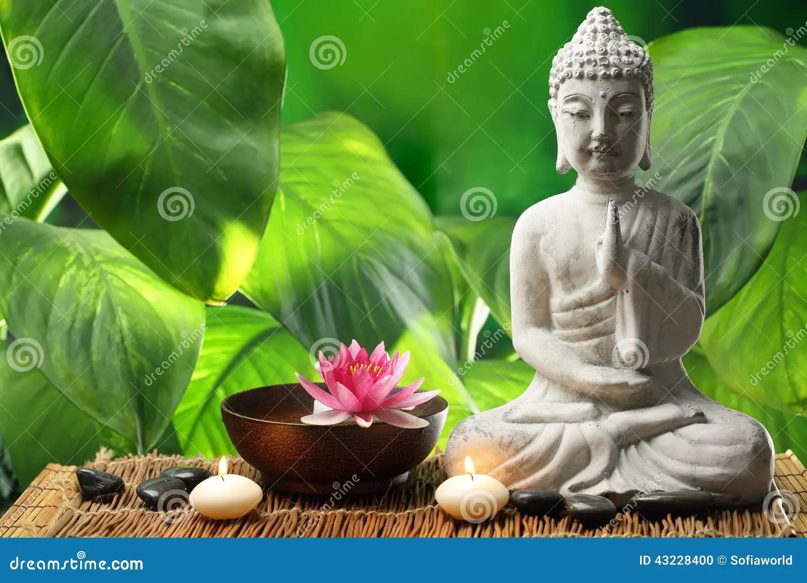 3d Candle Live Wallpaper Bouddha Dans La M 233 Ditation Photo Stock Image Du S 233 R 233 Nit 233