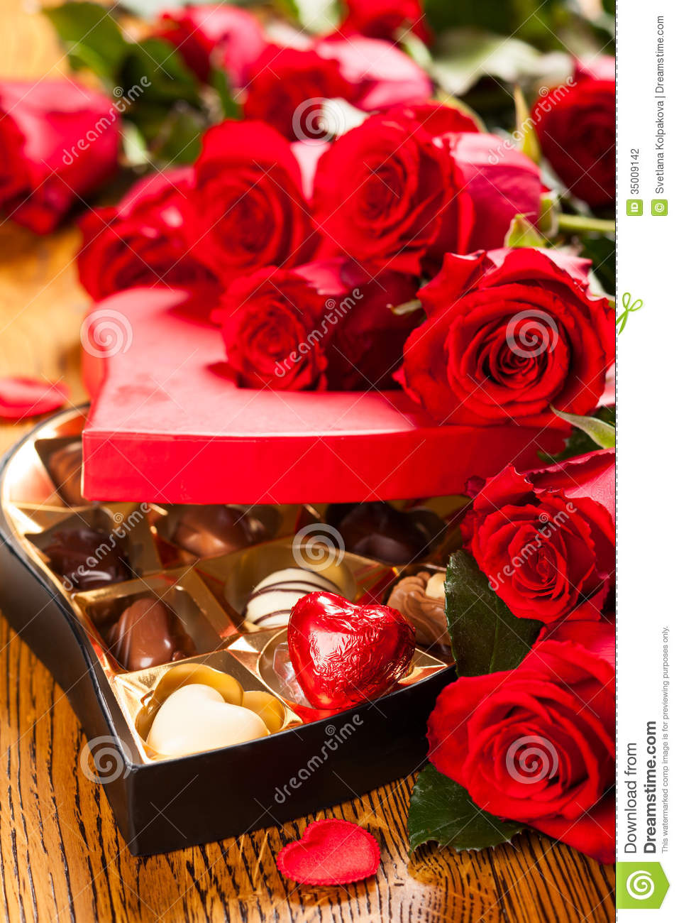 Birthday Cake Wallpaper 3d Box Of Chocolate Truffles With Red Roses Stock Photography