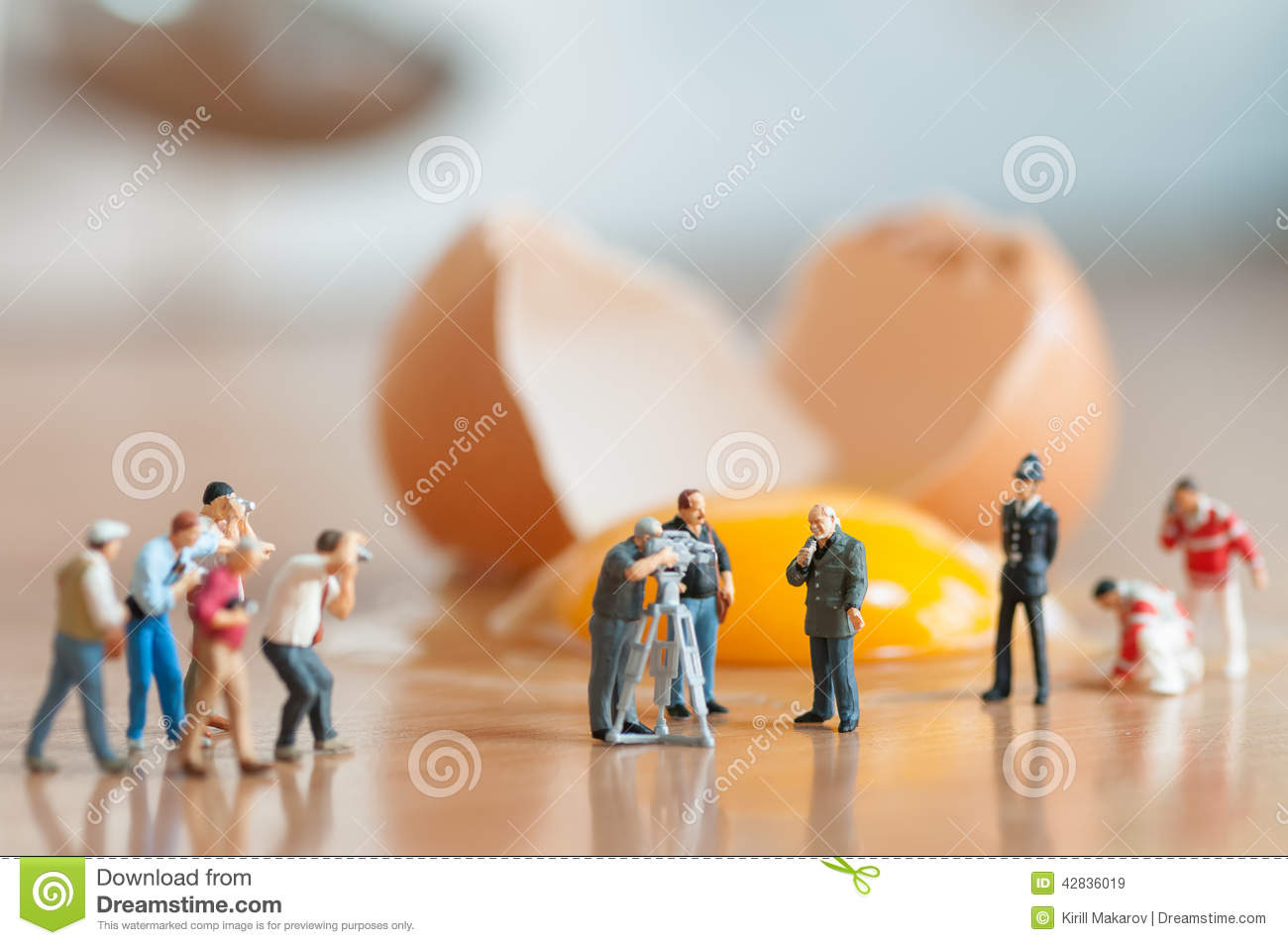 Unfallgefahr In Der Küche Broken Egg Accident In The Kitchen Stock Image Image Of