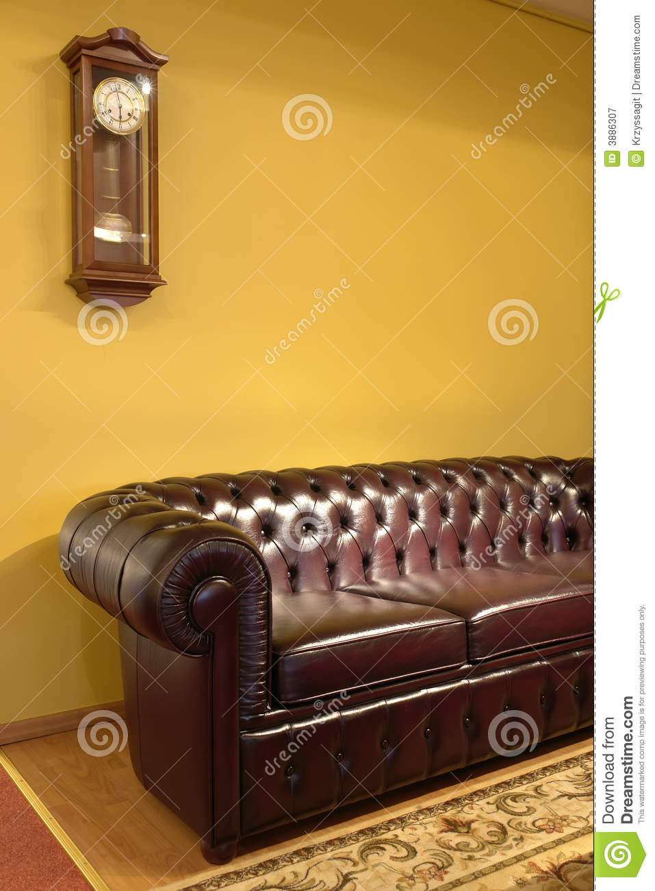 Sofa Vintage A Vendre Brown Leather Sofa And Clock Stock Image Image Of Room