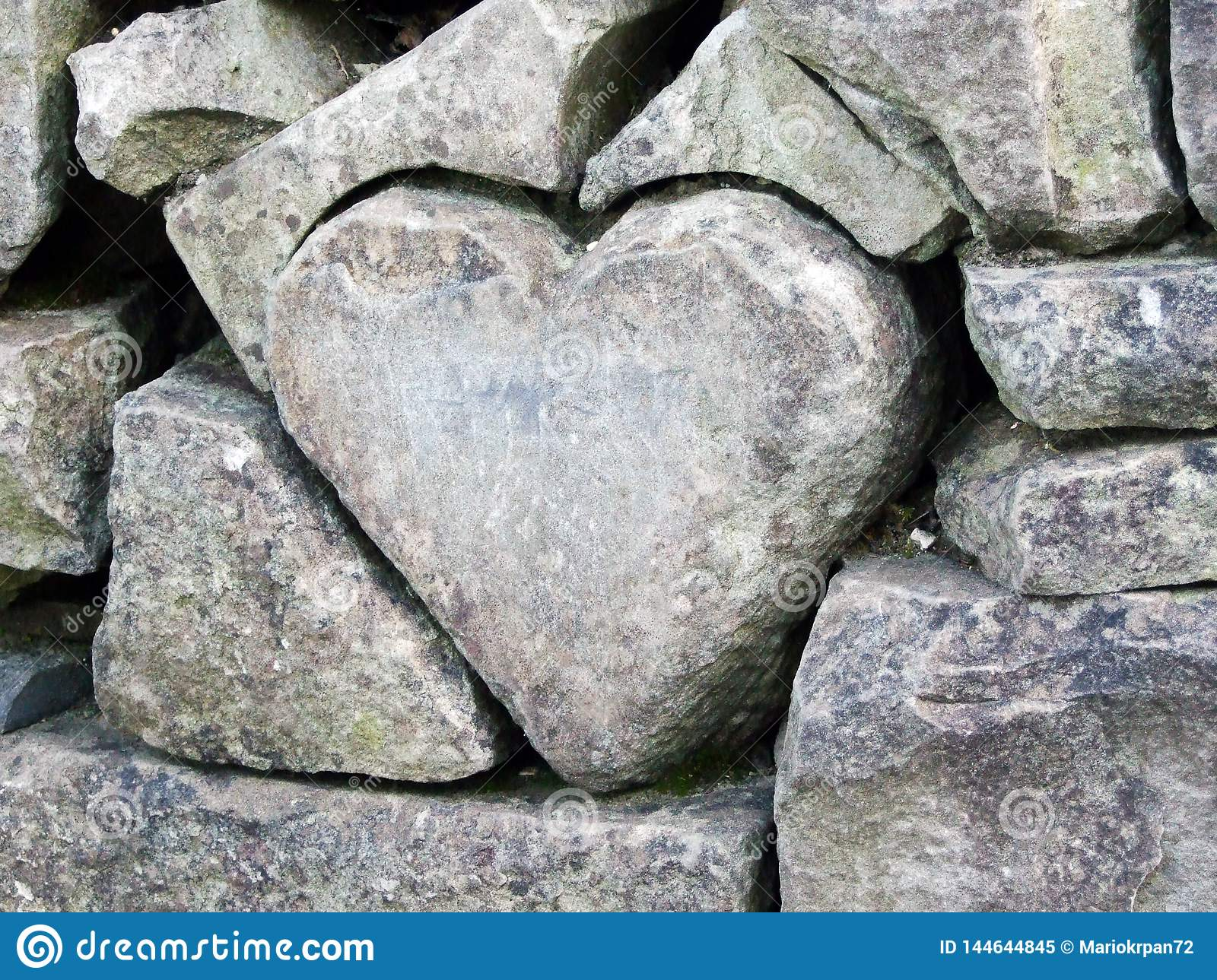 Pergola Gossau Carved Stone Heart In The Zoo Garden Wall Abenteurland Walter Zoo