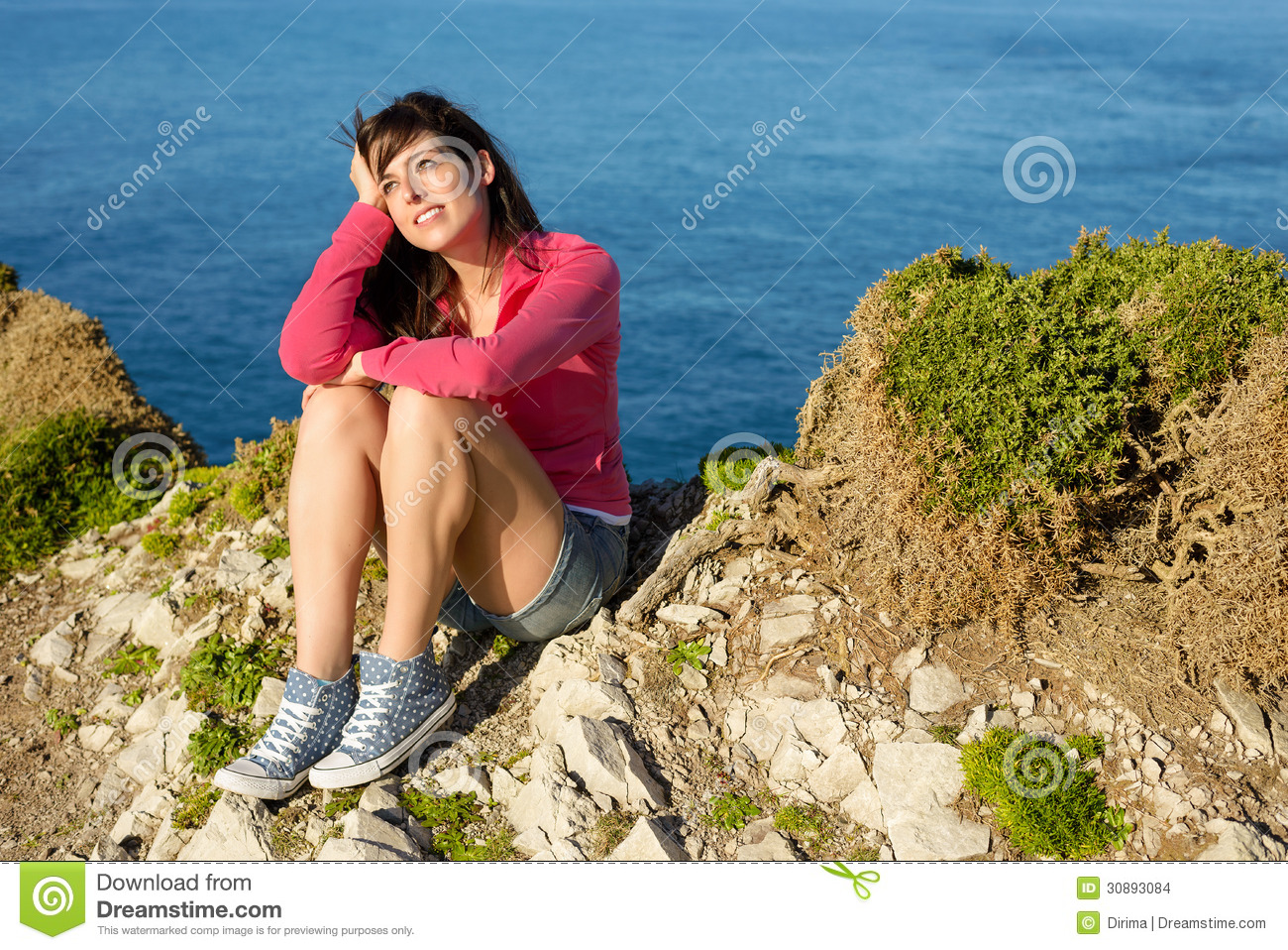 Summer Casual Geflecht Relax-sessel Casual Girl Relaxing On Summer Travel Stock Photo Image