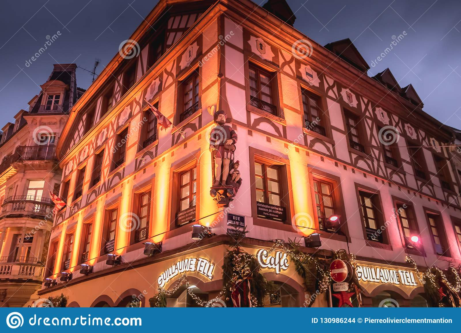 Decoration Facade De Maison Christmas Decorated Facade Of The Guillaume Tell Cafe In Mulhouse