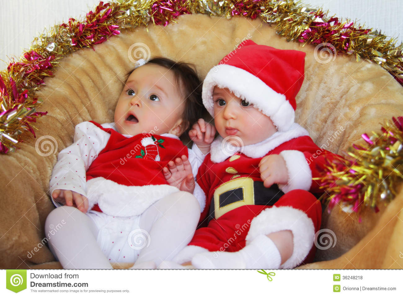 Cute Baby Girl Wallpapers For Facebook Profile Hd Christmas Funny Small Kids In Santa Claus Clothes Royalty