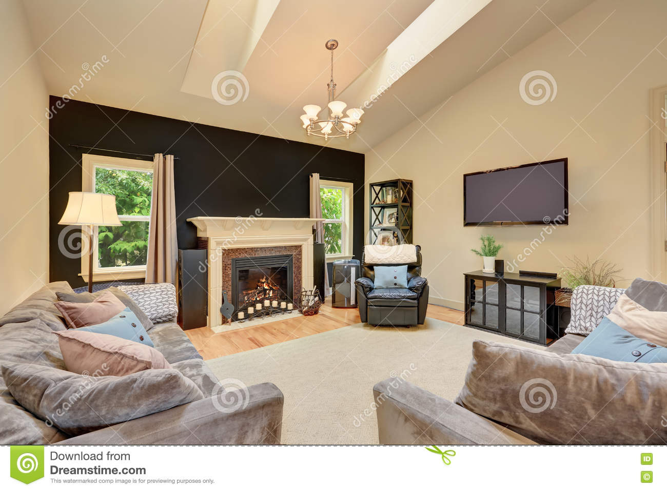 American Wohnzimmer Classic American Family Room With Fireplace And Sofas