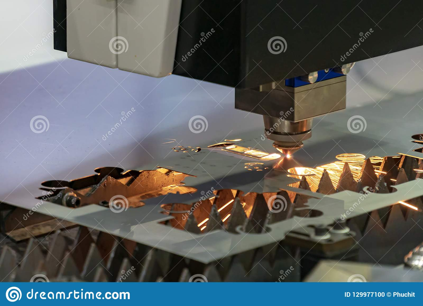 Laser Cutting Machine Metal The Cnc Fiber Laser Cutting Machine Cutting The Sheet Metal Plat