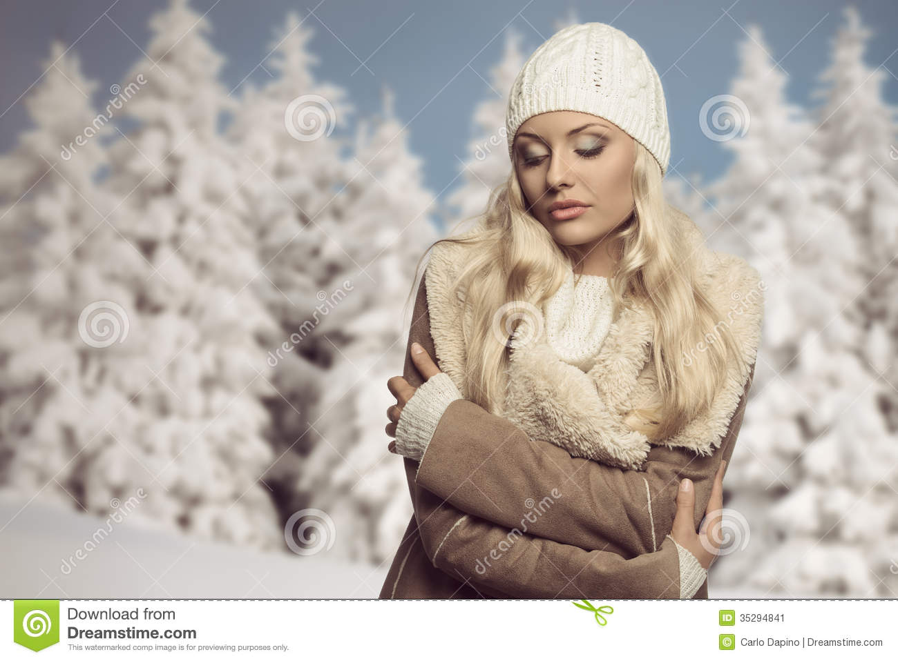 Cold Woman With Winter Clothes Stock Image Image Of