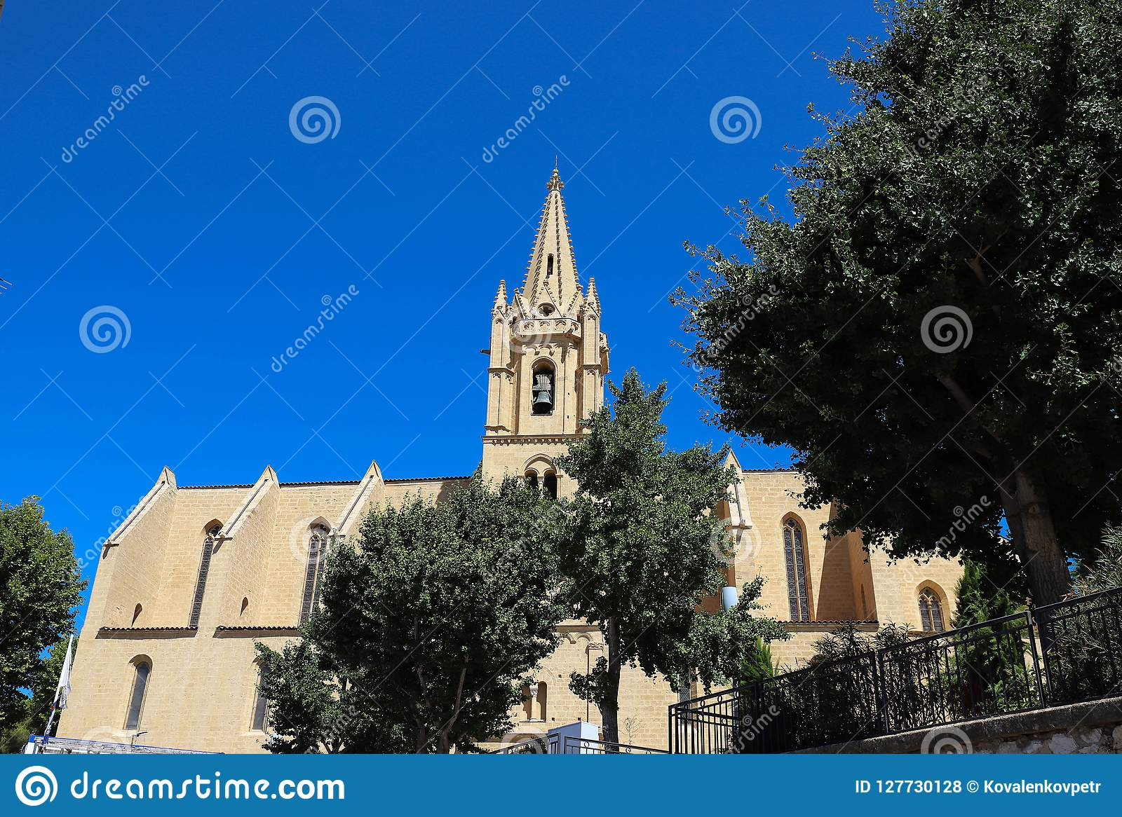 The Collegial Church Saint Laurent Is An Excellent Example Of France S Meridional Gothic Style Salon De Provence Stock Photo Image Of Gordes Architecture 127730128