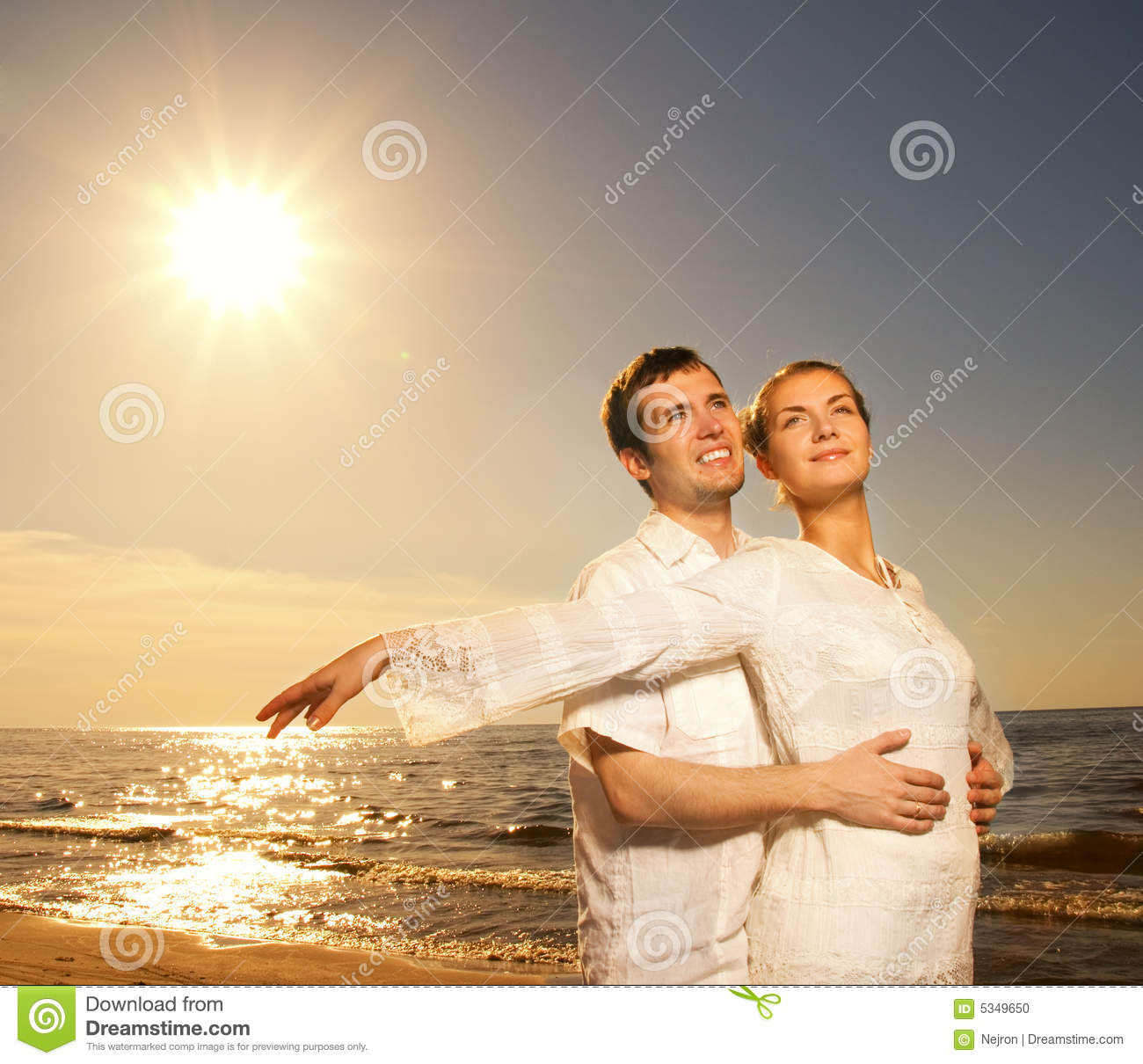 Viet Küche Köln Couple Relaxing Near The Sea Stock Photo Image Of Female Hands