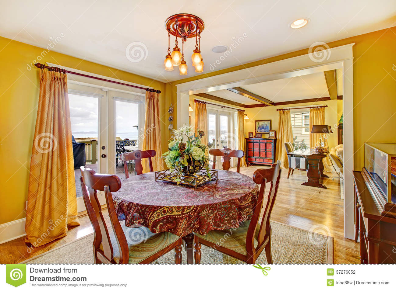 Yellow Dining Room Walls Cozy Yellow Dining Room Stock Photo Image Of Image Decor