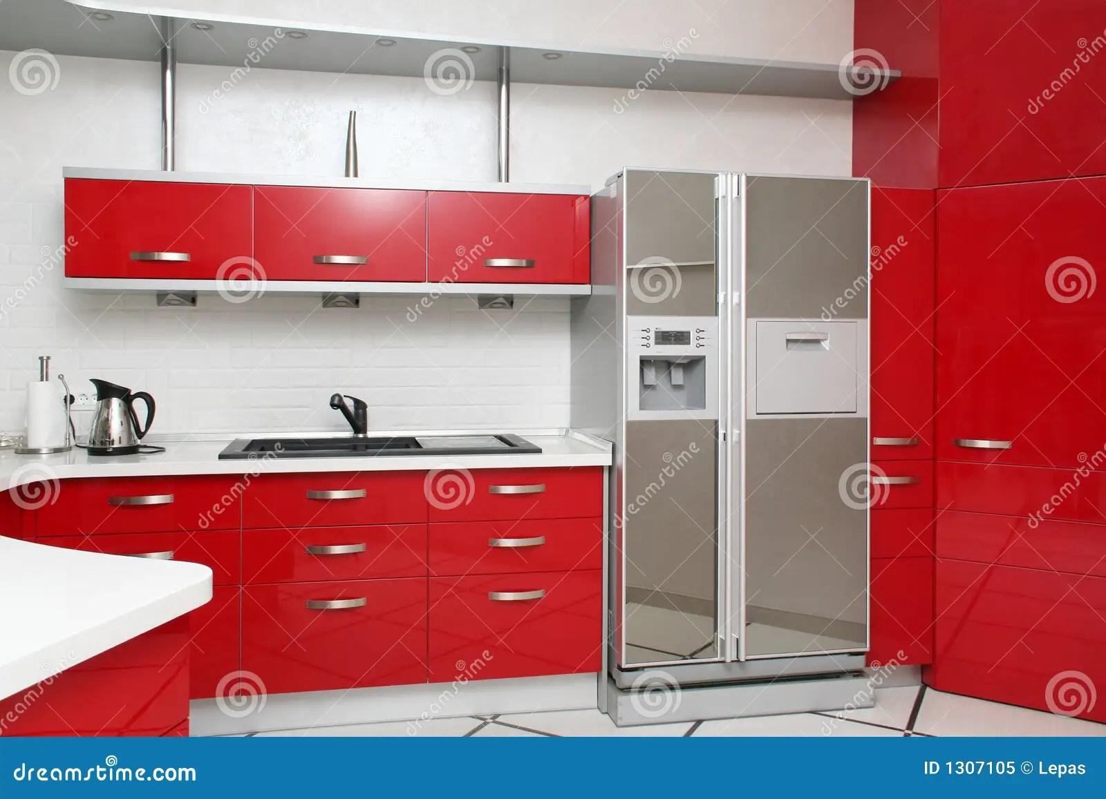 Cucina Scavolini Rossa   Cucina Moderna Rossa Immagine Stock ...