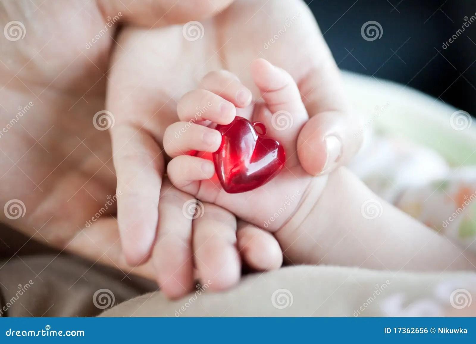 Cute Henna Wallpapers De Handen Van De Ouder En Van De Baby Met Hart Royalty