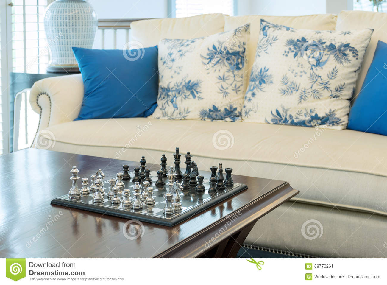Chess Decor Decorative Chess Board With Chess Pieces In Luxury Living