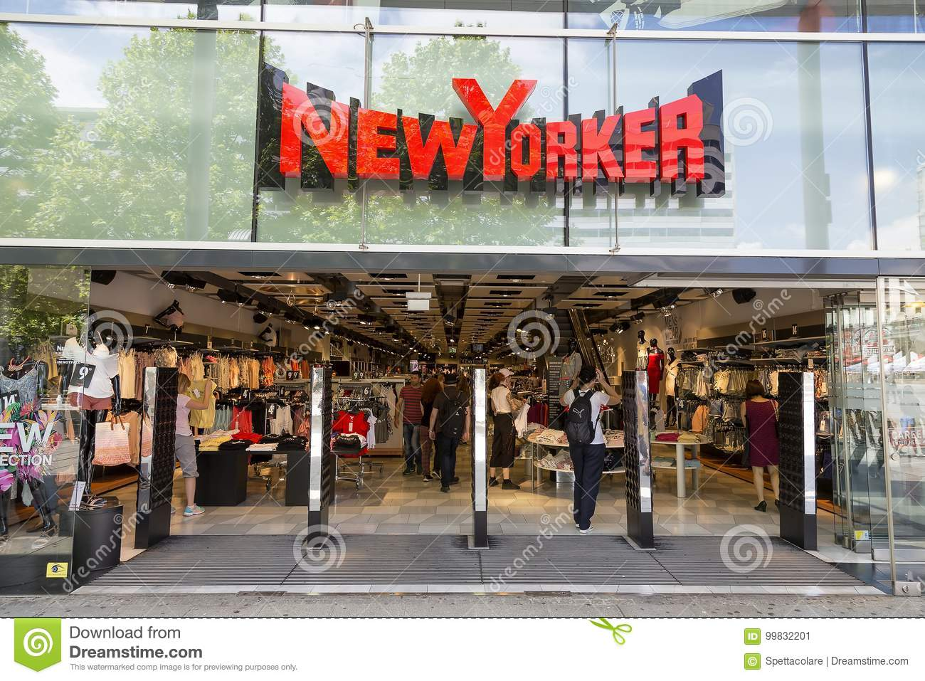 Braunschweig Outlet Newyorker Store Exterior Editorial Photo Image Of Beauty 99832201
