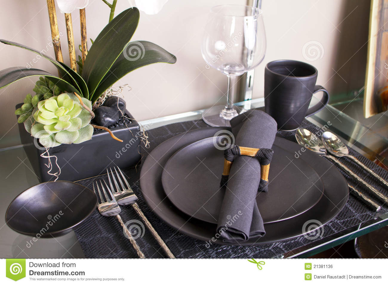 Modern Table Setting Elegant Modern Table Place Setting Royalty Free Stock