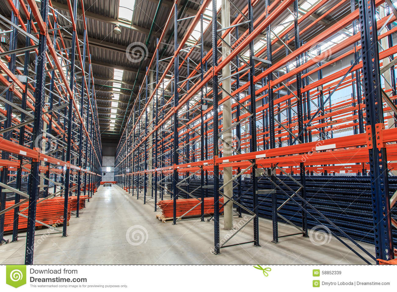 Lagerregal Clipart Empty Warehouse Racks Stock Photo Image 58852339
