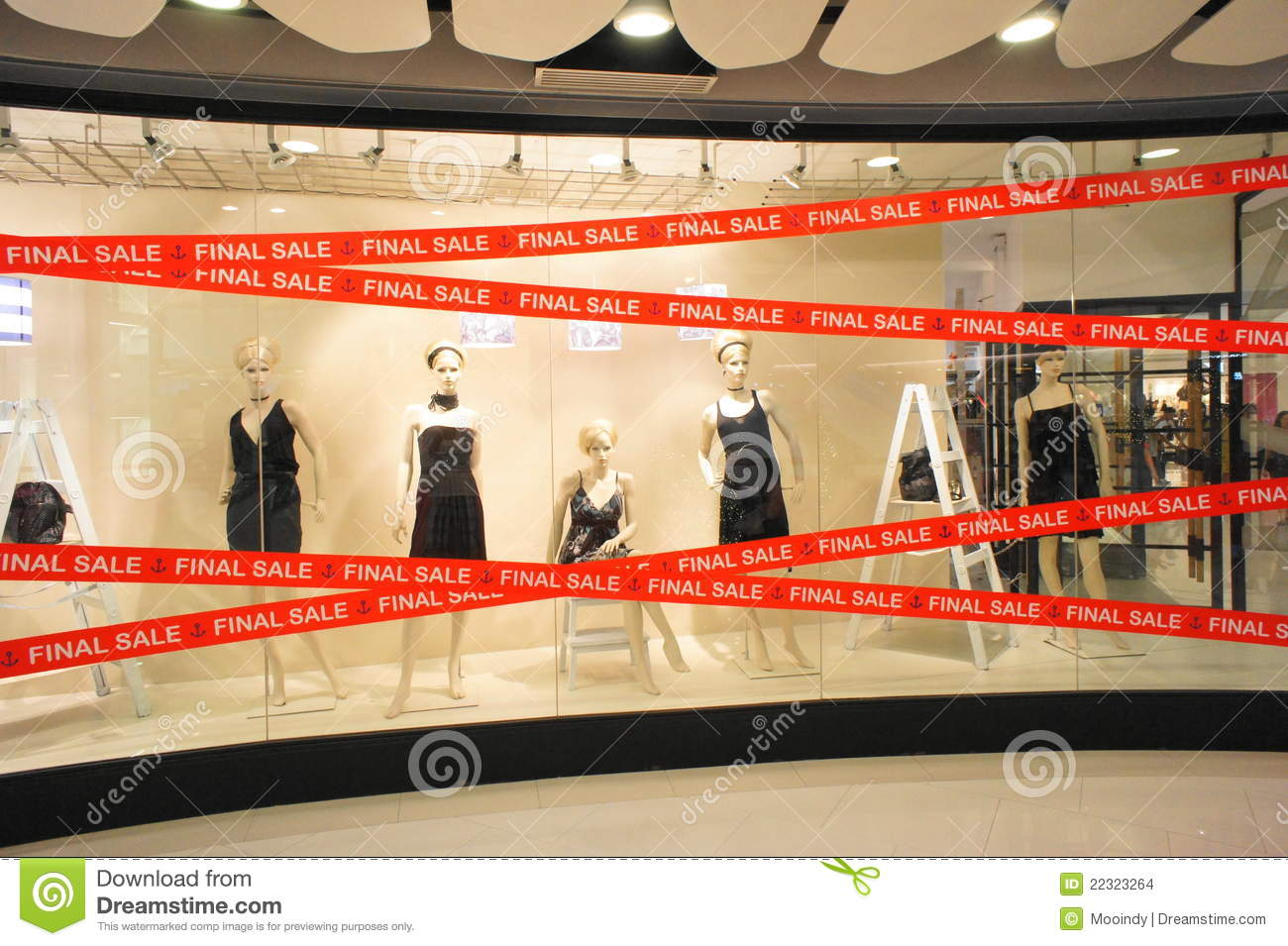 Windows On Sale Final Sale Boutiques Windows Mannequins Editorial Stock