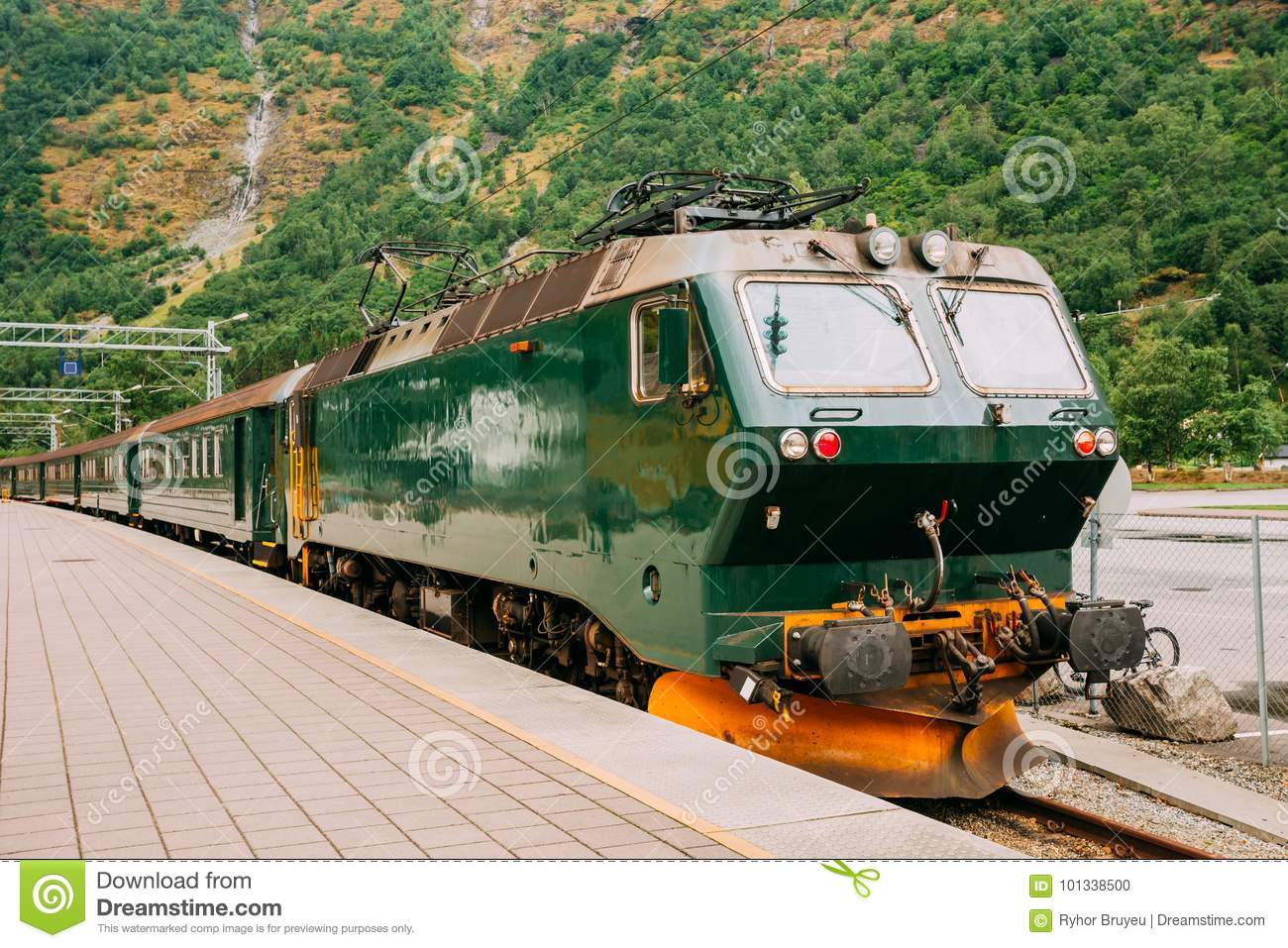 Norway Train Flam Norway Famous Railroad Flamsbahn Green Norwegian Train