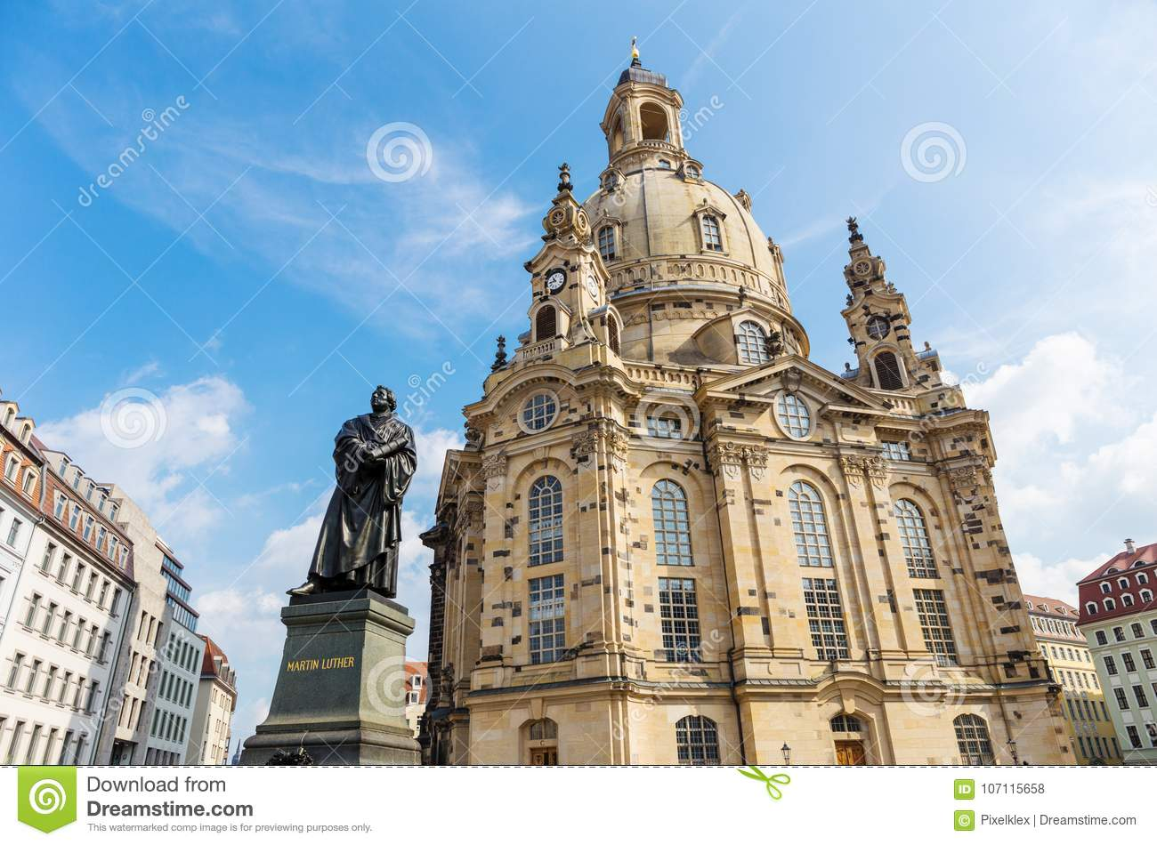 Bebe Dresden Frauenkirche With Martin Luther Statue In Dresden Germany Stock