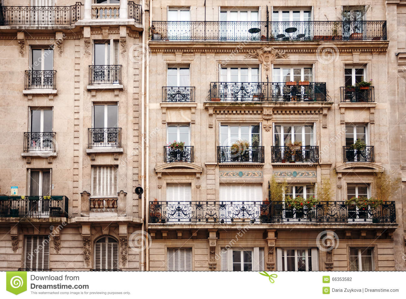 Architecte Renovation Haussmannien French Architecture With Typical Windows Stock Photo Image Of