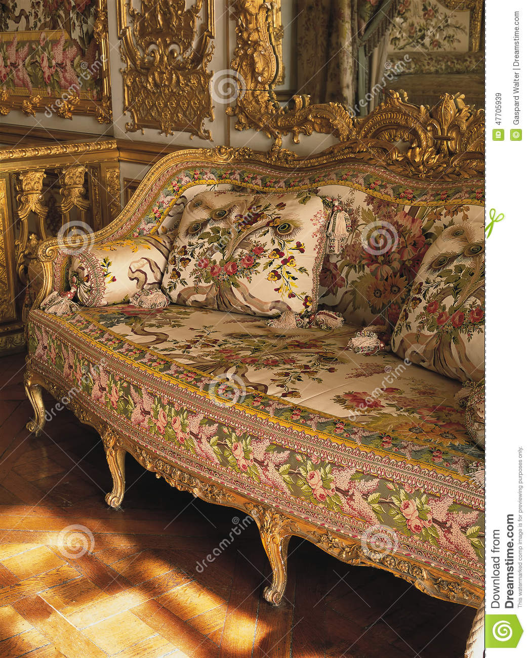 Sofa Dreams France Furniture In Queen Marie Antoinette Bedroom At Versailles