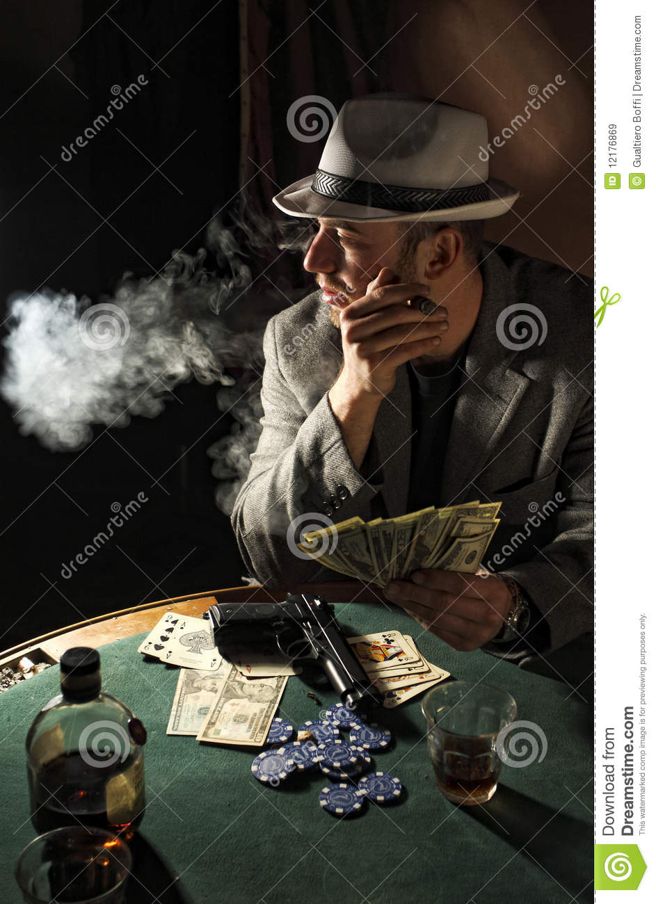 Download Cute Cartoon Couple Wallpapers Gangster Smoking And Play Poker Royalty Free Stock Images